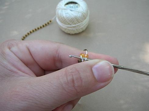 Вязание бисерного жгута крючком - 12