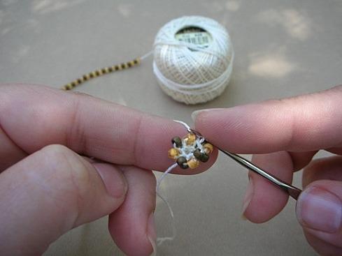 Вязание жгутов из бисера.